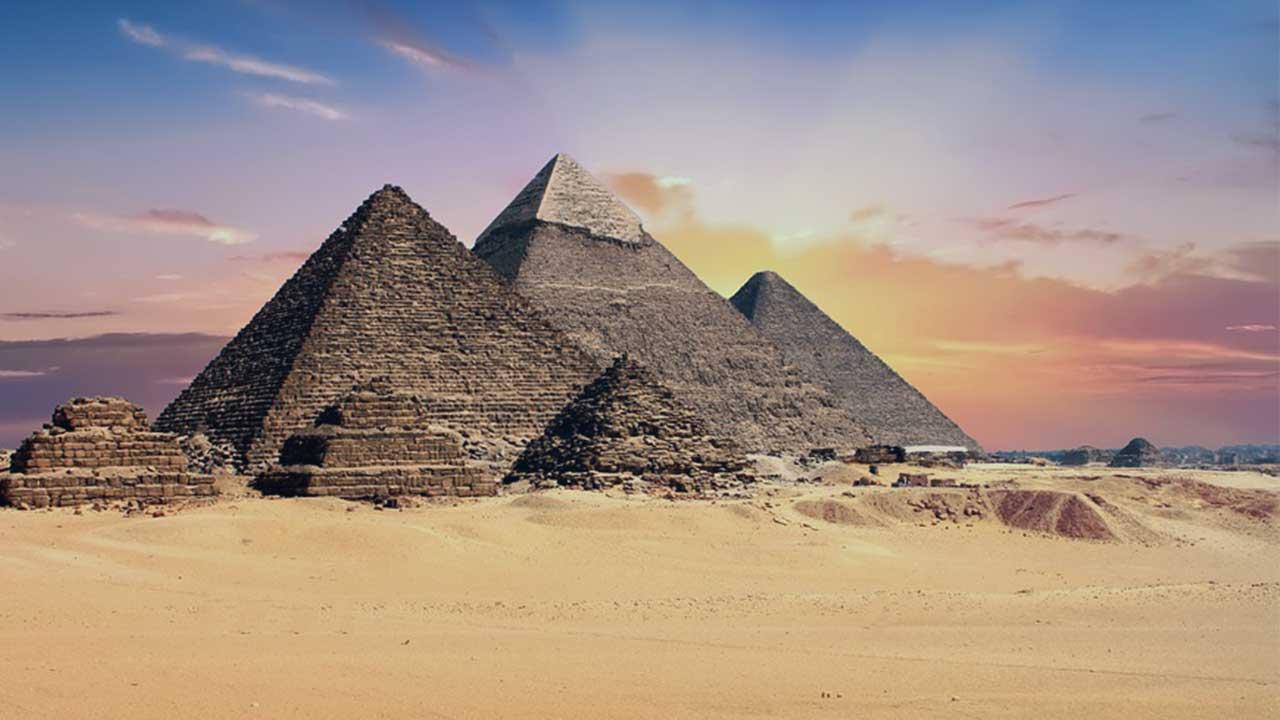 الشهور والهوية المصرية.